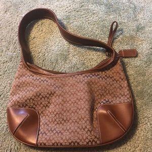 Medium sized coach shoulder bag